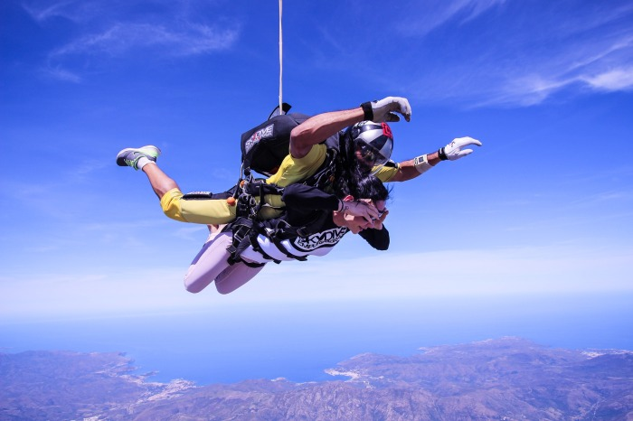 skydive-2717507_1920